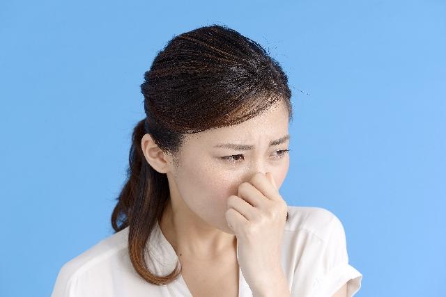 部屋干しの臭いを消す方法