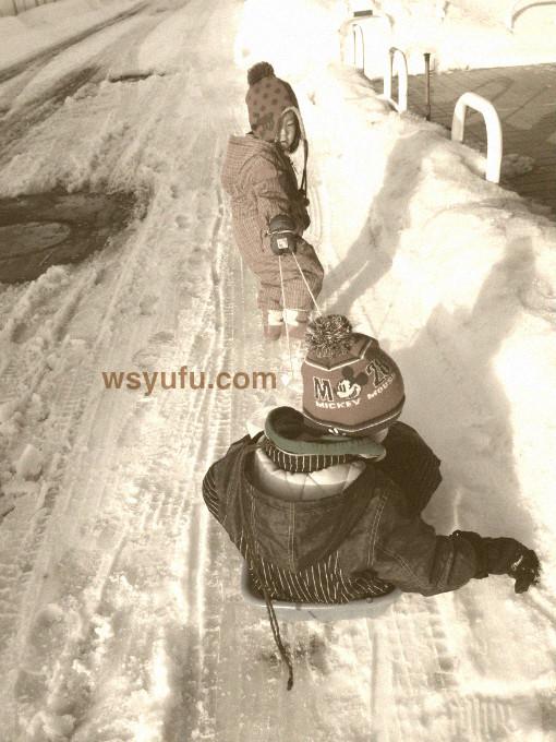 札幌市 保育園送迎 ソリ 冬の定番 保育園あるある