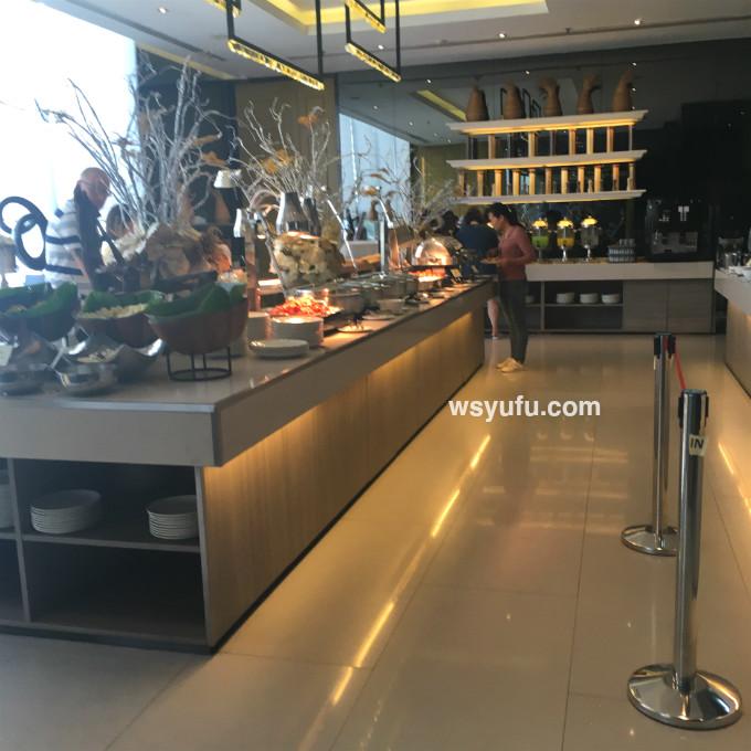 バンコク家族旅行 チャトリウム サトーン ホテル レストラン 朝食