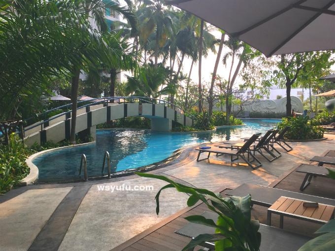 タイバンコク家族旅行 ホテル 子連れ プール チャトリウムサトーンレジデンスサトーン