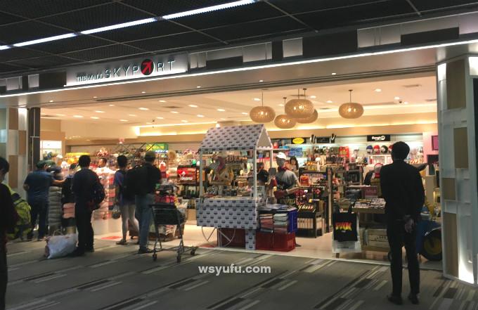 タイバンコク家族旅行 ドンムアン空港 出国審査後 THE MALL SKYPORT