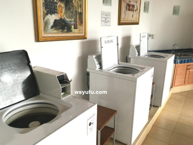 タイ 子連れ ホテル チャトリウムレジデンスサトーンバンコク ランドリールーム 縦型洗濯機
