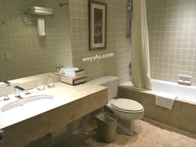 タイ 子連れ ホテル チャトリウムレジデンスサトーンバンコク バスルーム