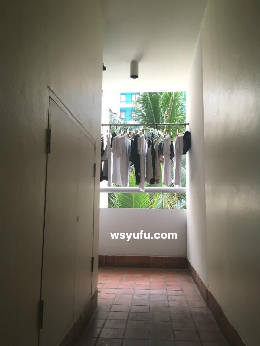 タイ 子連れ ホテル チャトリウムレジデンスサトーンバンコク バルコニー 洗濯物干し